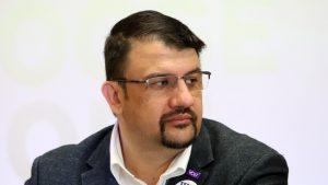 Настимир Ананиев: Членове на СИК лъжат гласоподаватели, че машината не работи, за да гласуват на хартия